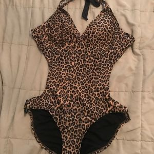 SEXY ONE PIECE - Leopard Print Bathing Suit